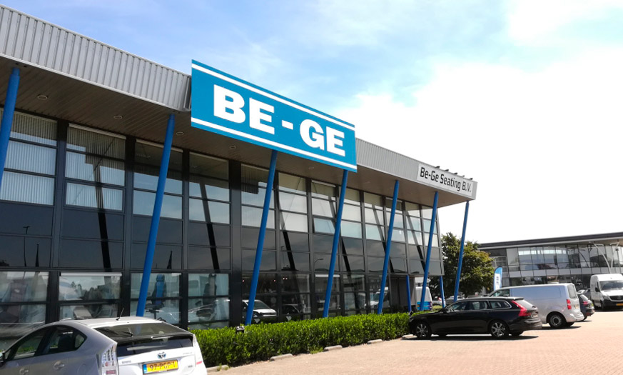 Be-Ge Seating gevelbelettering